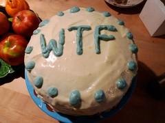 Torte mit den Buchstaben WTF